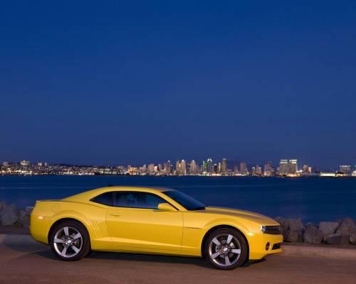 Обои авто авто жёлтый шевроле camaro 2011
